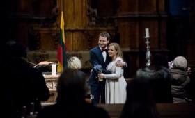 Netrukus vaikelio susilauksianti Živilė Kropaitė itin uždaroje ceremonijoje susituokė su mylimuoju