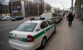 Pagrasinta susprogdinti skolų išieškojimo bendrovės biurą Vilniuje