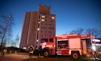 Gaisras Vilniuje: užsiliepsnojo Tarptautinė teisės ir verslo aukštoji mokykla