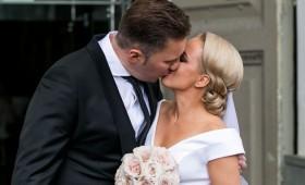 Romano vertą Elenos Puidokaitės-Atlantos meilės istoriją šiandien vainikavo vestuvės: jaunajai pasiruošti padėjo garsūs draugai
