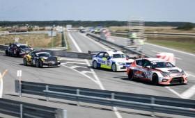 Palangoje startavo 1006 km lenktynės – kovoja 37 galingi automobiliai