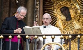 Popiežius Pranciškus apsilankė Aušros vartuose